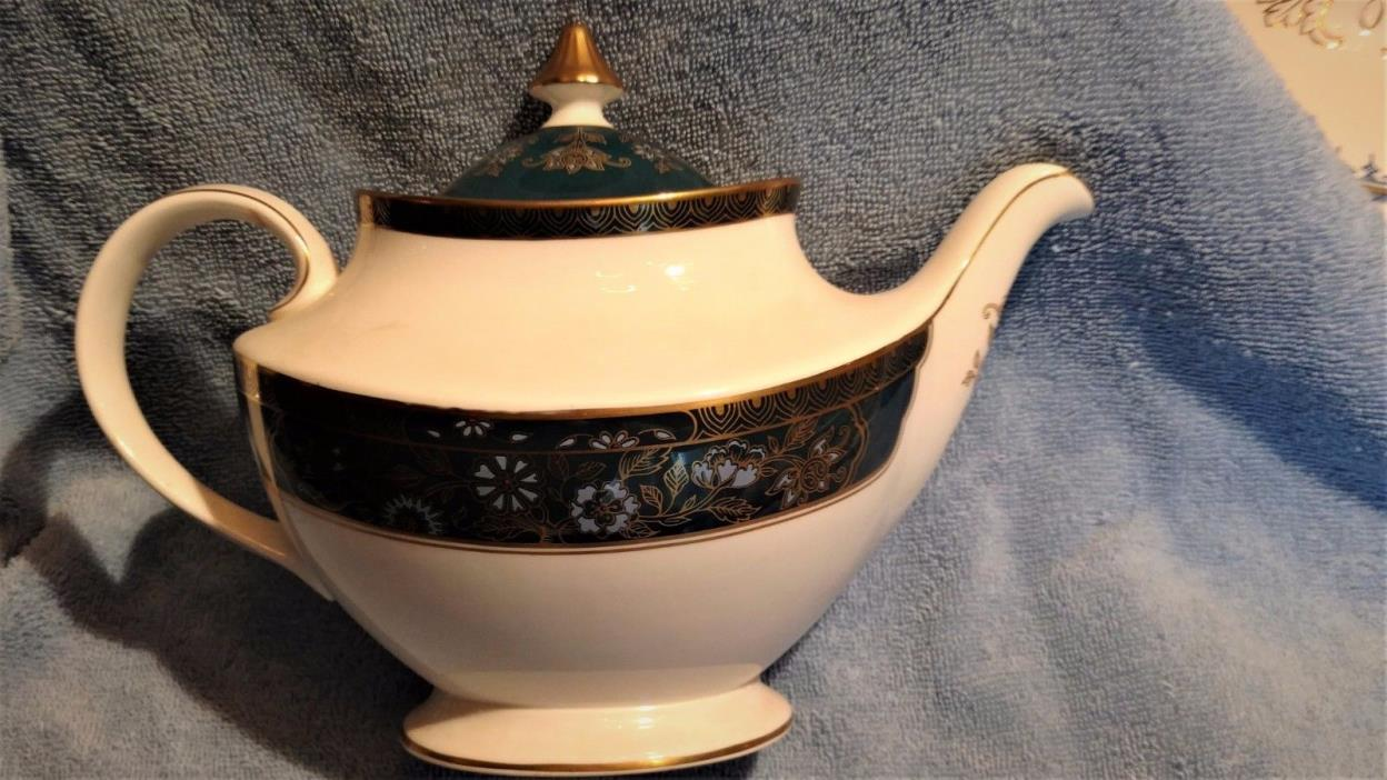 ROYAL DALTON CARLYLE TEAPOT EXCELLANT CONDITION MADE IN ENGLAND