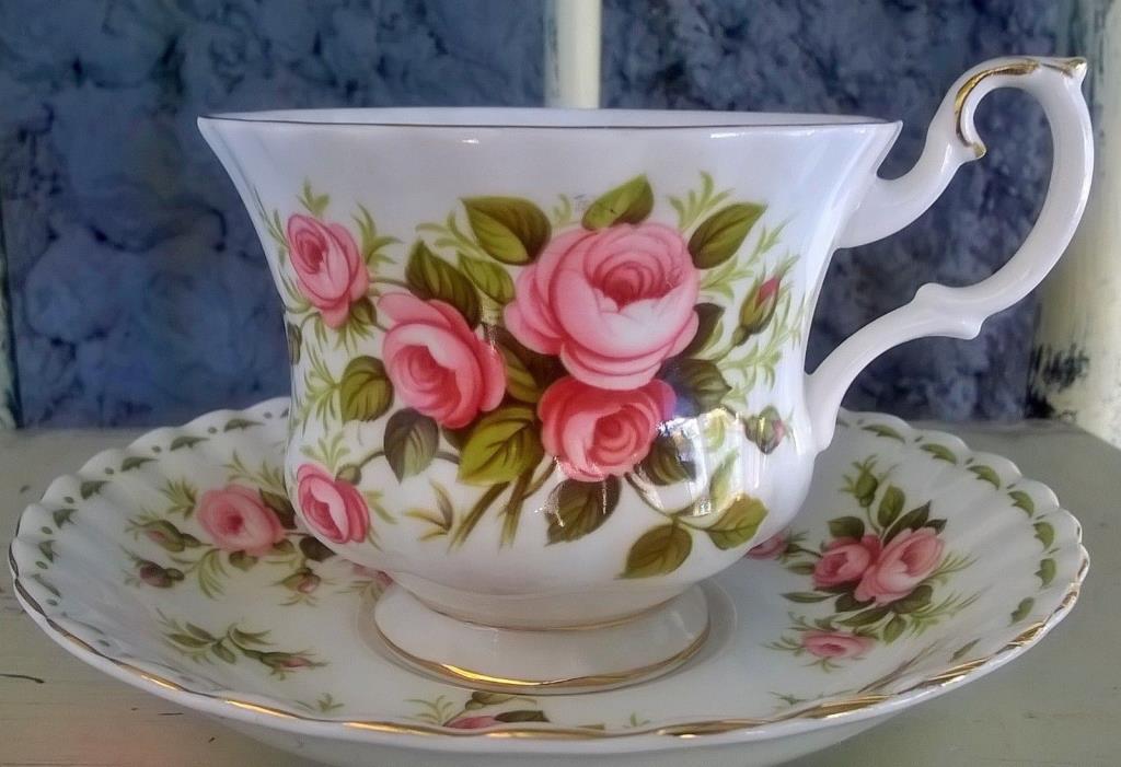 Royal Albert Flower Of The Month June Roses Tea Cup  Teacup & Saucer