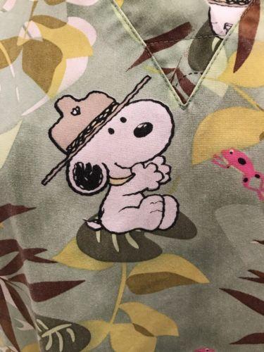 Peanuts Snoopy Scrub Top Safari Jungle Trees Hat Frog Green Two Pocket Sz Large