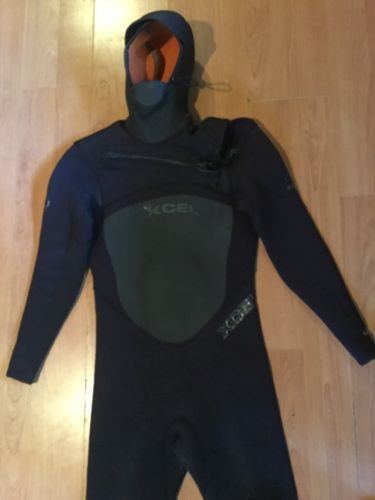 XCEL Wetsuit 5/4/3 Mm hooded wetsuit Size M Infiniti Synergy Size M 150-165 Lbs