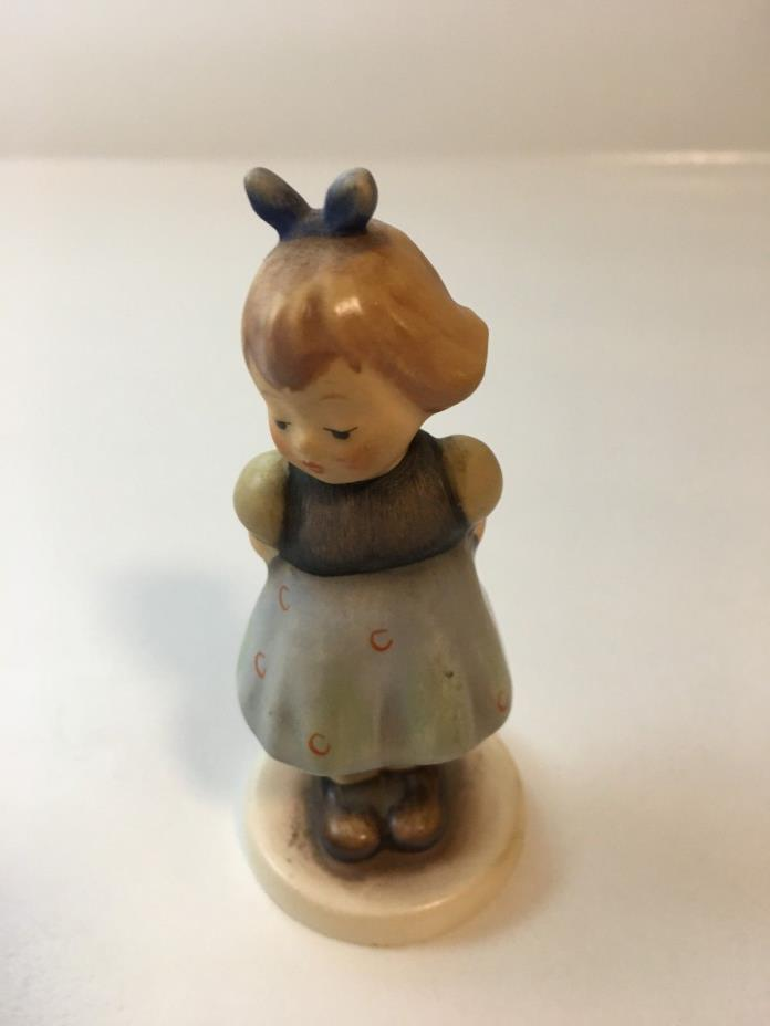 "GOEBEL Hummel Figurine ""TWO HANDS, ONE TREAT"