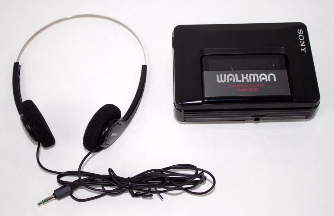 Sony Walkman WM-2011 Portable Headphone Cassette Player ** For Parts or Repair**