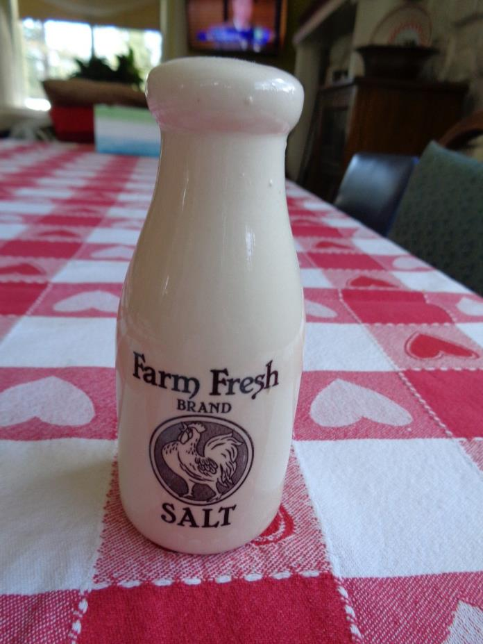 FRESH FARM SALT SHAKER   GREAT FOR COURSE GROUND.