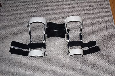 Left and Right KNEE BRACES Supports size large great shape
