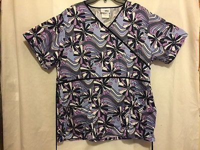Women Life Uniform Large Purple Floral V-Neckline Short Sleeve Pockets Front