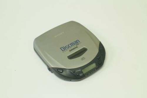 Sony CD Walkman Discman D-181 GROOVE 1bit DAC AVLS Silver Slim
