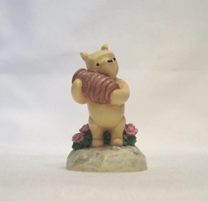 Lenox Disney Winnie the Pooh Thimble – POOH HUGGING HUNNEY POT