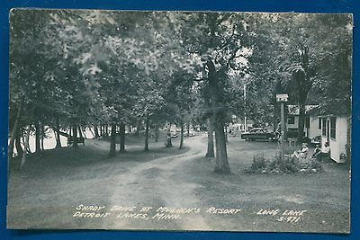 Shady Drive Muench's Resort Detroit Lakes Minnesota mn real photo old postcard
