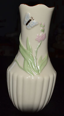 LENOX STAMPED FLORAL DESIGNED GOLD TRIMMED BUD VASE WITH LID