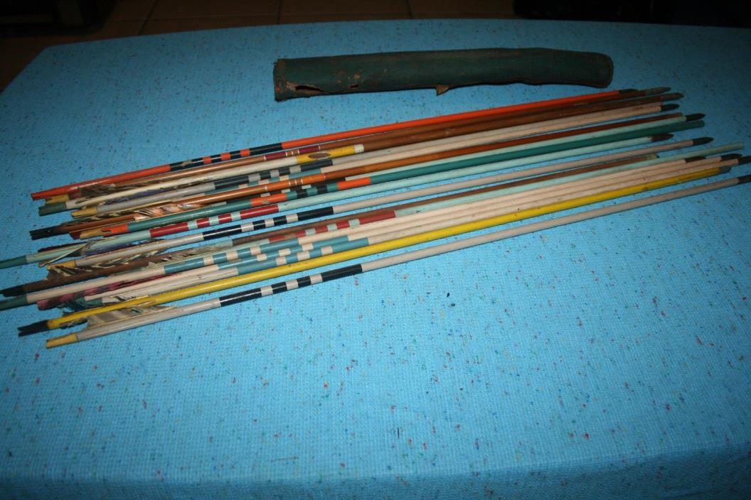 Lot of 17 Vintage Wood Wooden Painted Arrows w/ Quiver