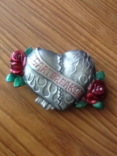 HEART BREAKER TATTOO FLOWER RED ROSES LARGE BELT BUCKLE BERGAMOT 2006 NEW USA