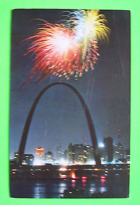 Postcard--Riverfront, St. Louis, Missouri