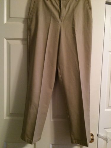 Men's/Boys Khaki Pants/School Uniform 31 X 32 GUC. 160907I