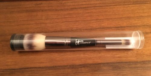 IT COSMETICS HEAVENLY LUXE DOUBLE ENDED NO 7 ALL OVER & CONCEAL BRUSH SEALED