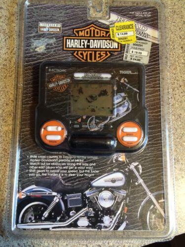 1993 NewTiger Electronics Harley Davidson Handheld Game Road To Daytona