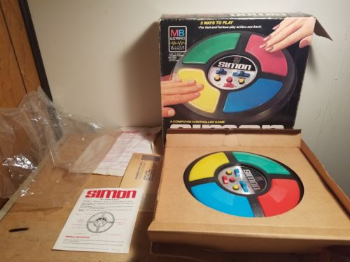 VINTAGE 1978 MILTON BRADLEY MB SIMON ELECTRONIC COMPUTER GAME COMPLETE IN BOX