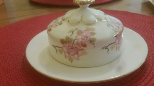 STUNNING Royal Albert HTF round butter dish + cover Pink flowers thick gold trim