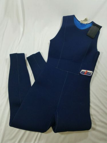 Seaquest wetsuit size small used
