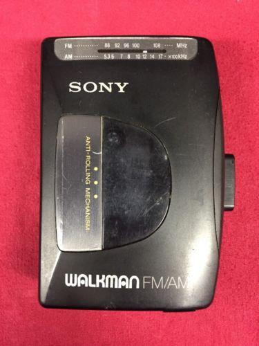 Vintage Sony Walkman WM-FX10 Cassette Player & AM FM Radio WORKS GREAT!