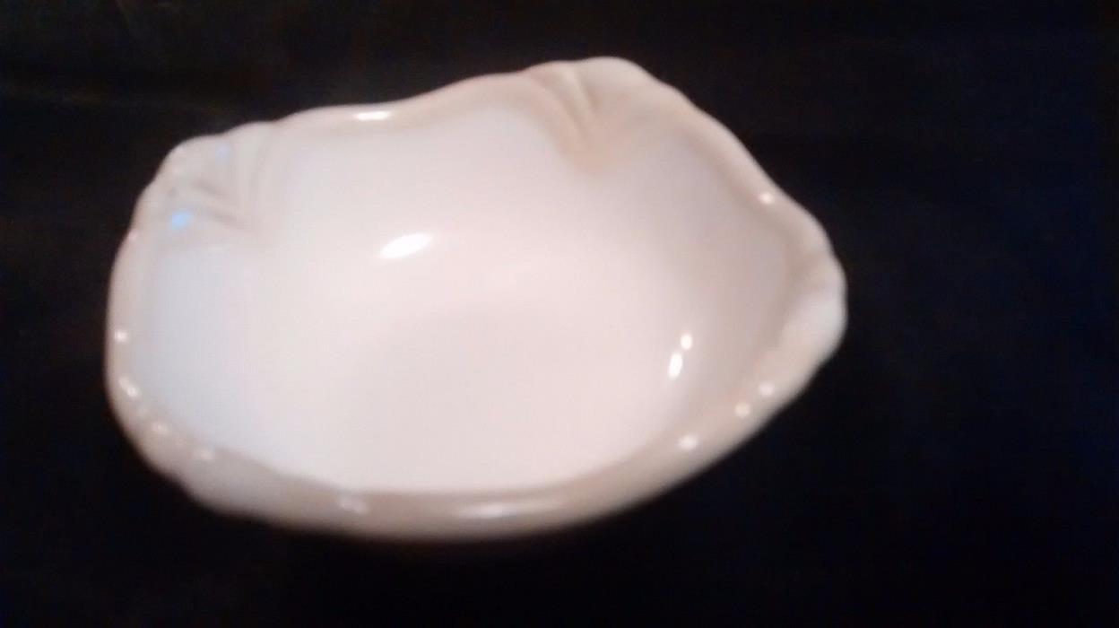 Princess House Pavillion Square Nesting Bowl Cream/Tan