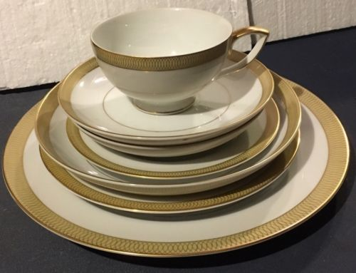 Mikasa Bristol 7  Piece Place Setting Soup Bowl And More
