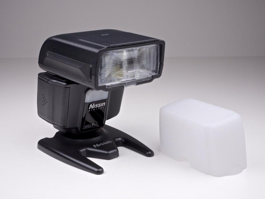 Nissin i40 Flash f/ Four Thirds Cameras ND40-FT OPEN BOX