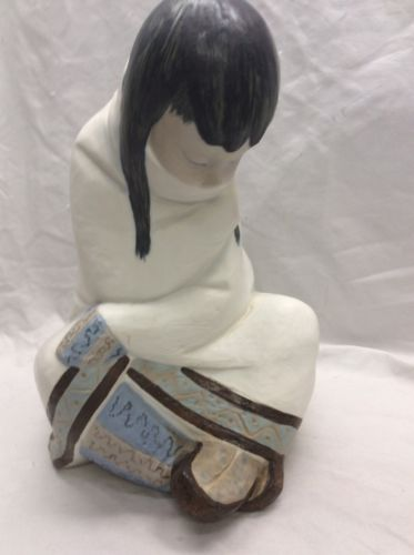 Beautiful Retired Lladro Eskimo Girl Nap Juan Huerta Sculpture Pottery Figurine