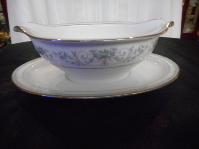 Noritake Fine China Gravy Boat Relish Dish Colburn #6107 w/ Attached Underplate