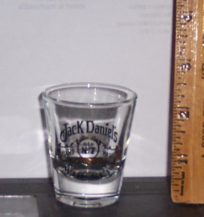 JACK DANIELS COLLECTIBLE SHOT GLASS