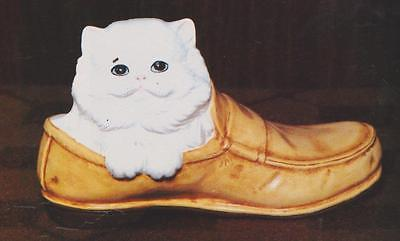 USED CERAMIC MOLD ALBERTA A83 KITTEN IN SHOE 3-7/8