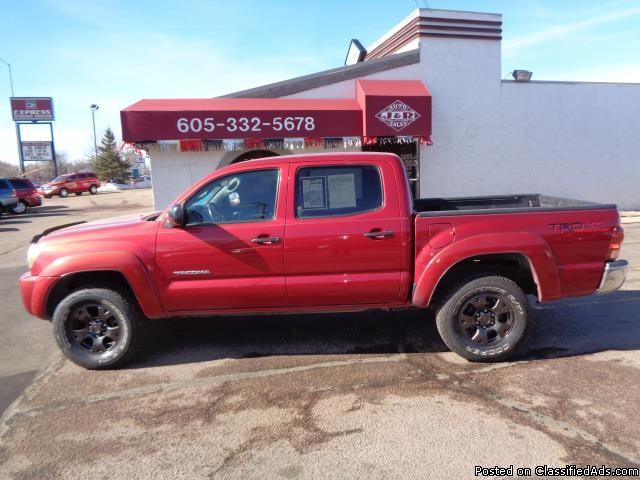 2006 TOYOTA TACOMA SR5 4 WHEEL DRIVE ONE OWNER