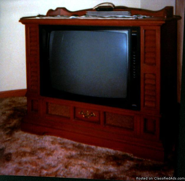 Early American Maple Wood Broken Zenith Console Television Set