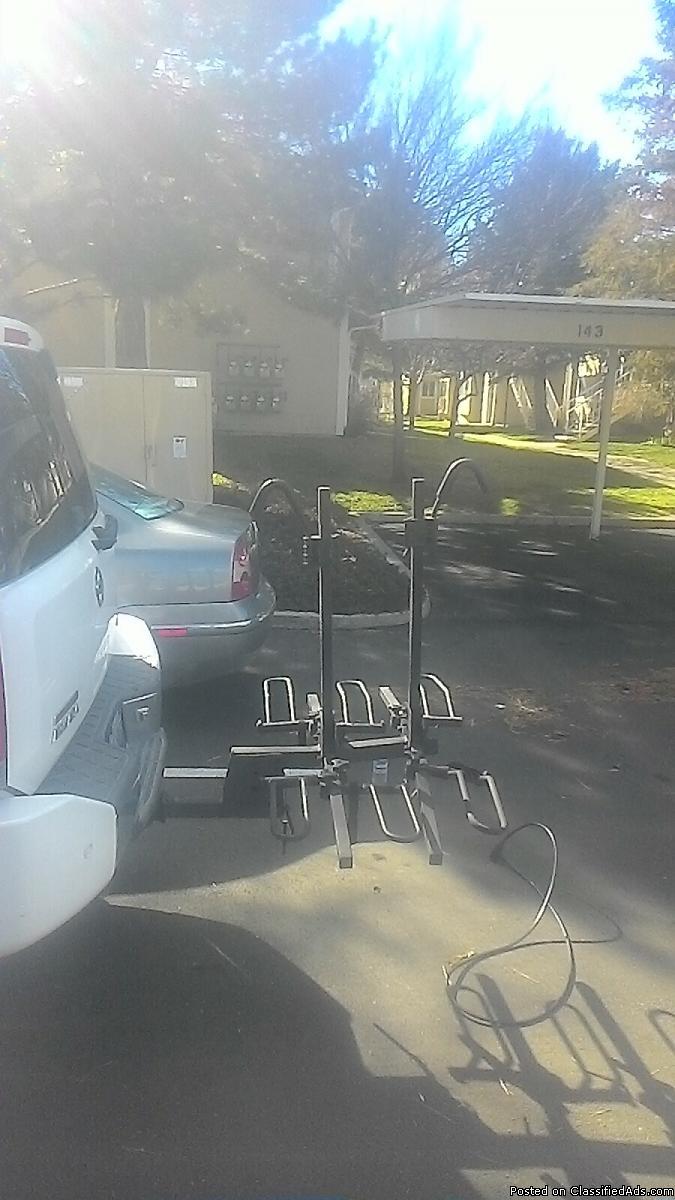 3 bike rack metal and lock