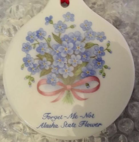 MERRY CHRISTMAS FROM ALASKA Porcelain Ceramic Disc Forget-Me-Not Flower Ornament