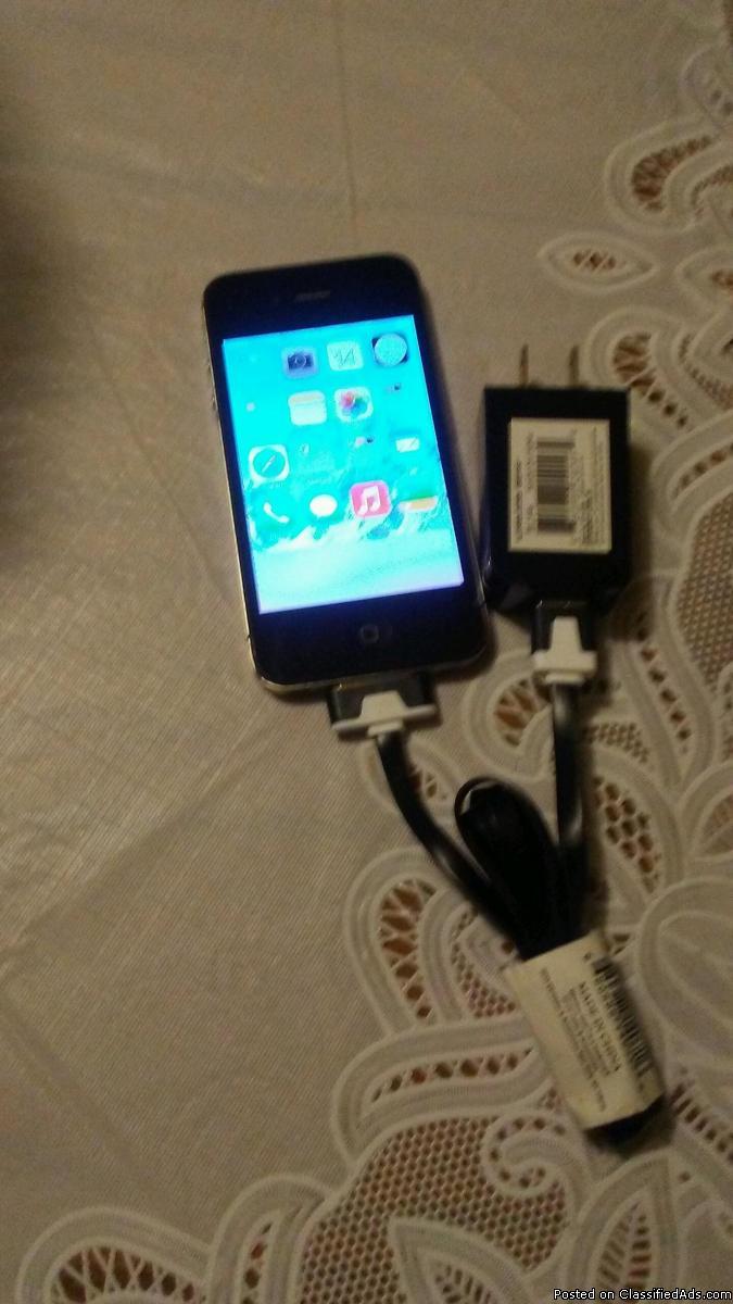 Verizon Apple iphone4 and a verizon flip phone