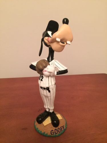 Chicago White Sox GOOFY Baseball BOBBLEHEAD Resin Figurine Bobble Head 2002