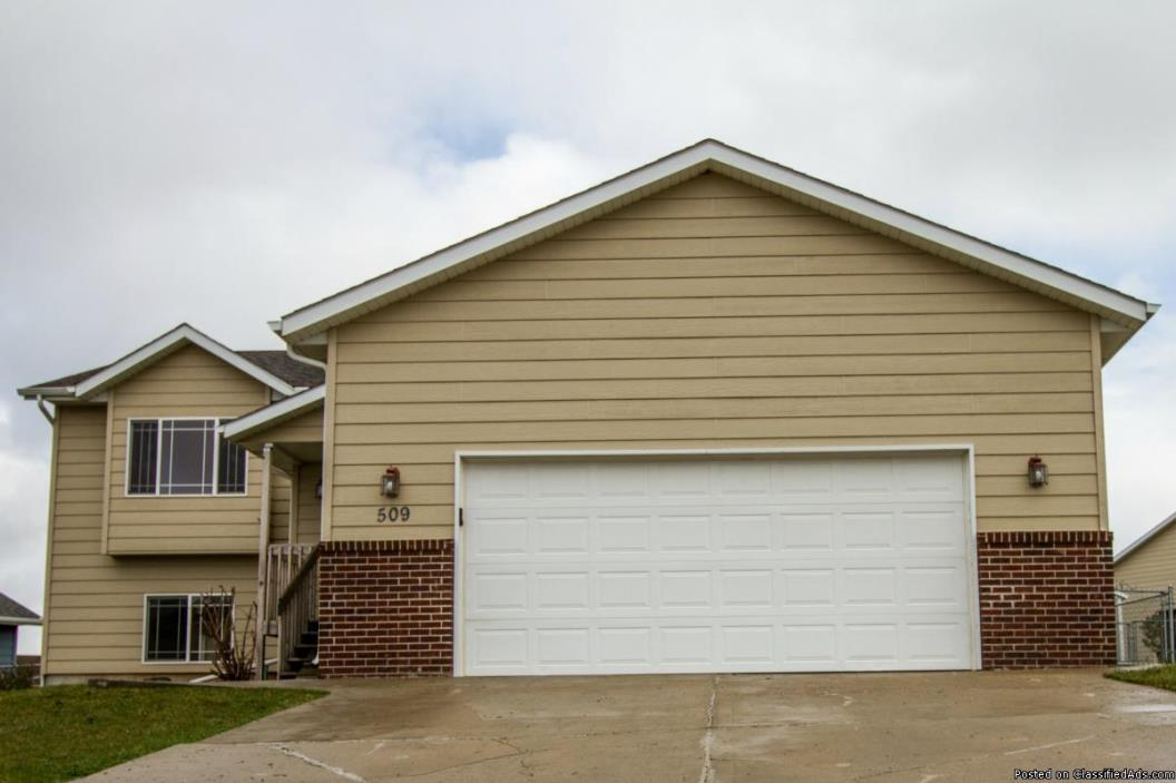 NEW LISTING! Move in ready, updated home in SE Rapid City