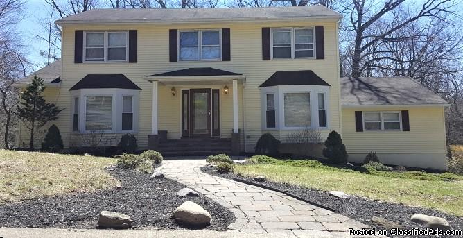 565 Lynne Dr., Morris Plains - Beautiful 1 Fam. Home for Sale