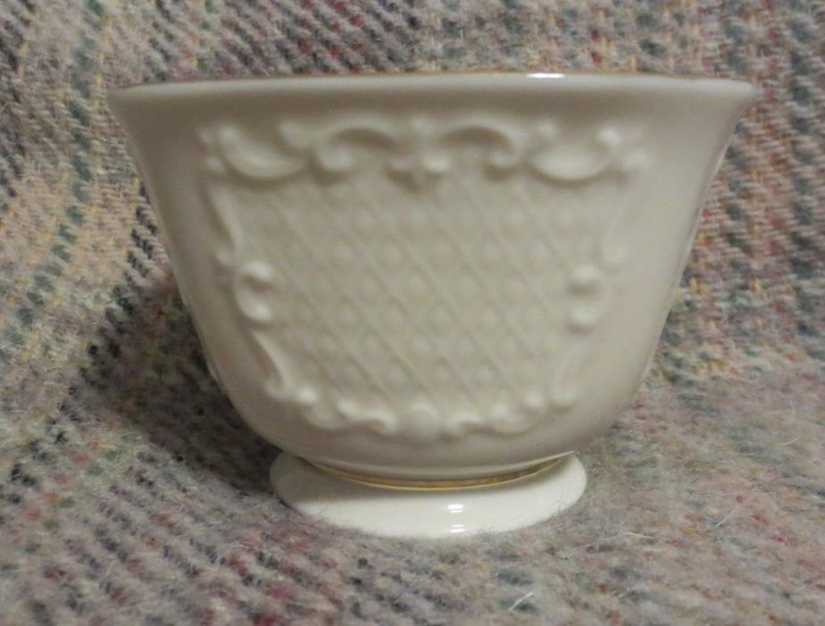 Lenox China Cream Ivory 24k Gold CANTERBURY Square Footed Candy Dish/ Nut Bowl