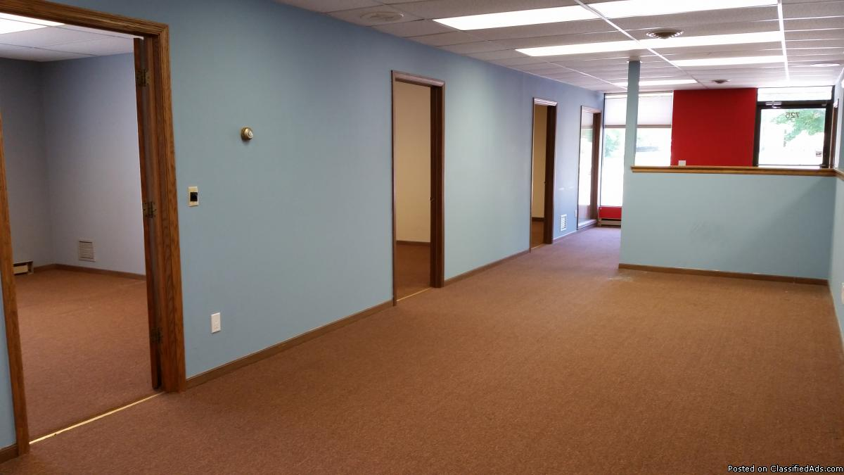 ENTIRE OFFICE SUITE, (4670 sq.-ft.), w/FLEXIBLE GREAT WORK LAYOUT