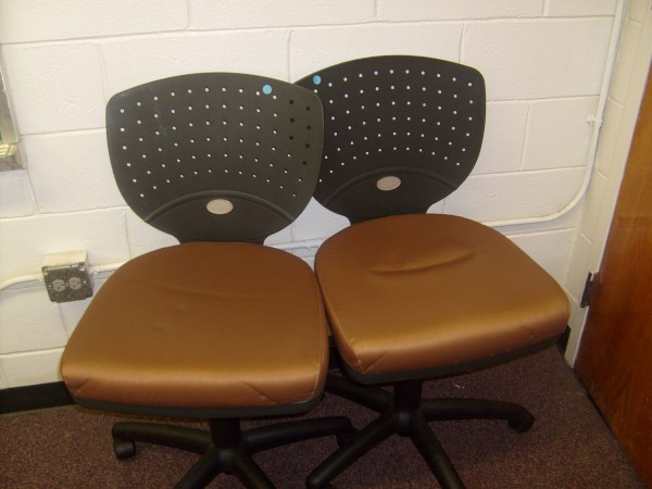 Brown/Black Rolling Chairs
