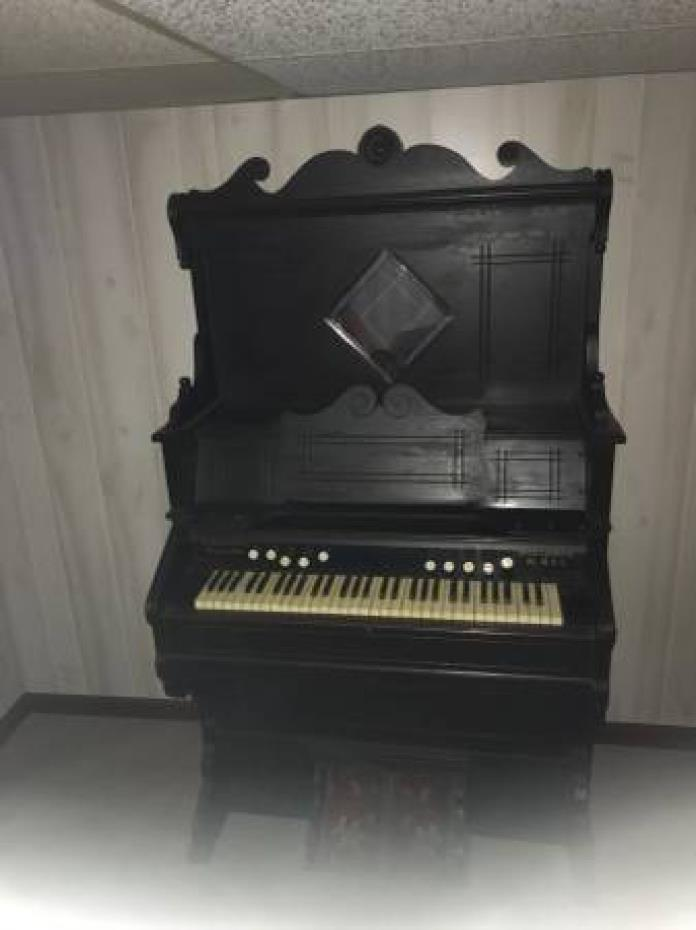 Beautiful Refinished 1890s Pump Organ