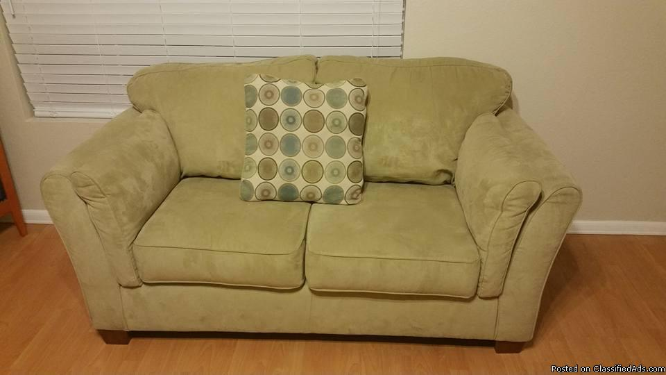 4 piece living room set (Couch, Love Seat, Chair & Ottoman)