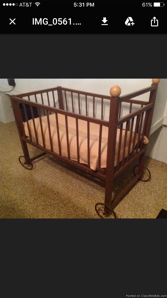 Doll bed - Antique