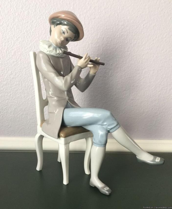 Lladro 'Boy with Flute' Figurine #4877 Retired