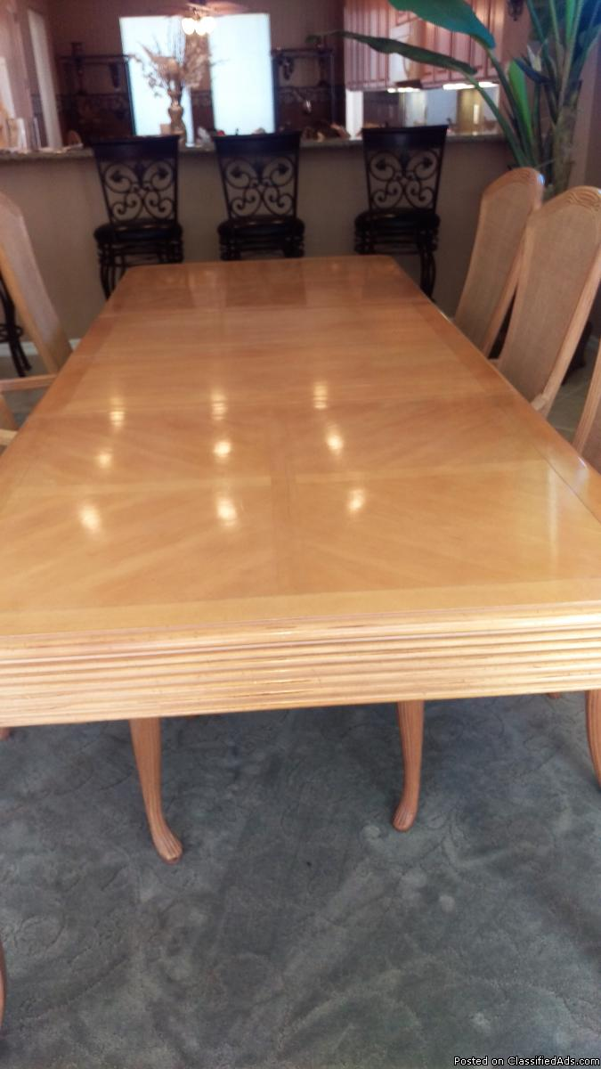 All wood dining room table w/matching hutch