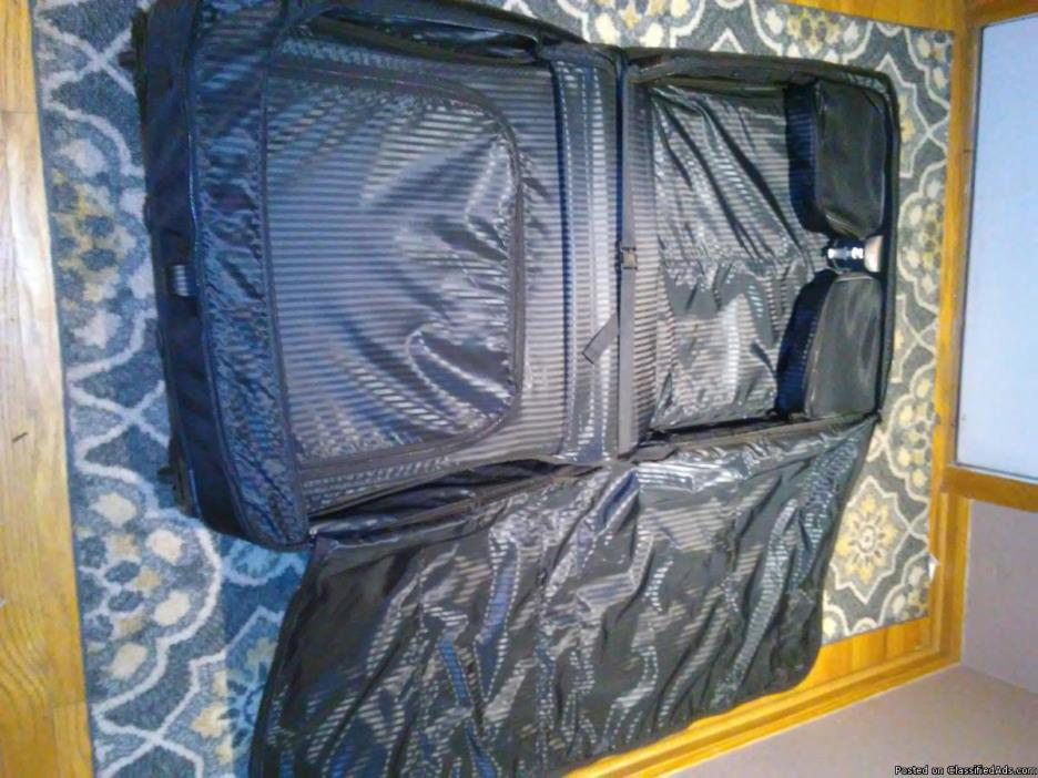 3 Tumi luggage bags!! Alpha 2 NEW