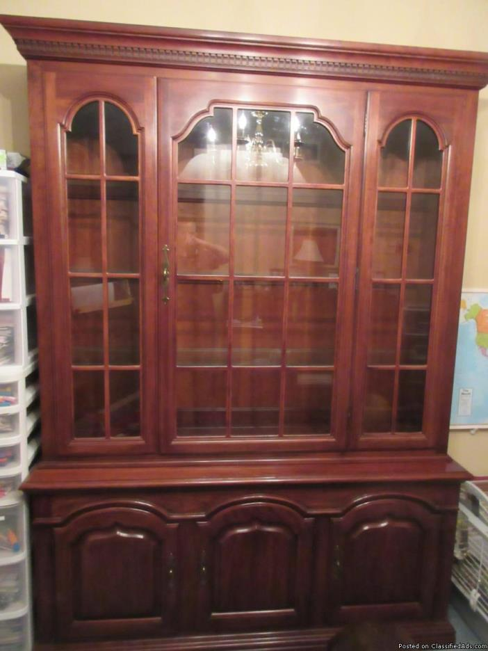 Dining Room Set/China Cabinet