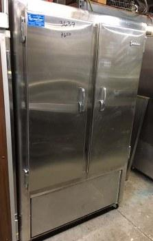 JORDON 2 DOOR STAINLESS STEEL REFRIGERATOR/FREEZER 3639