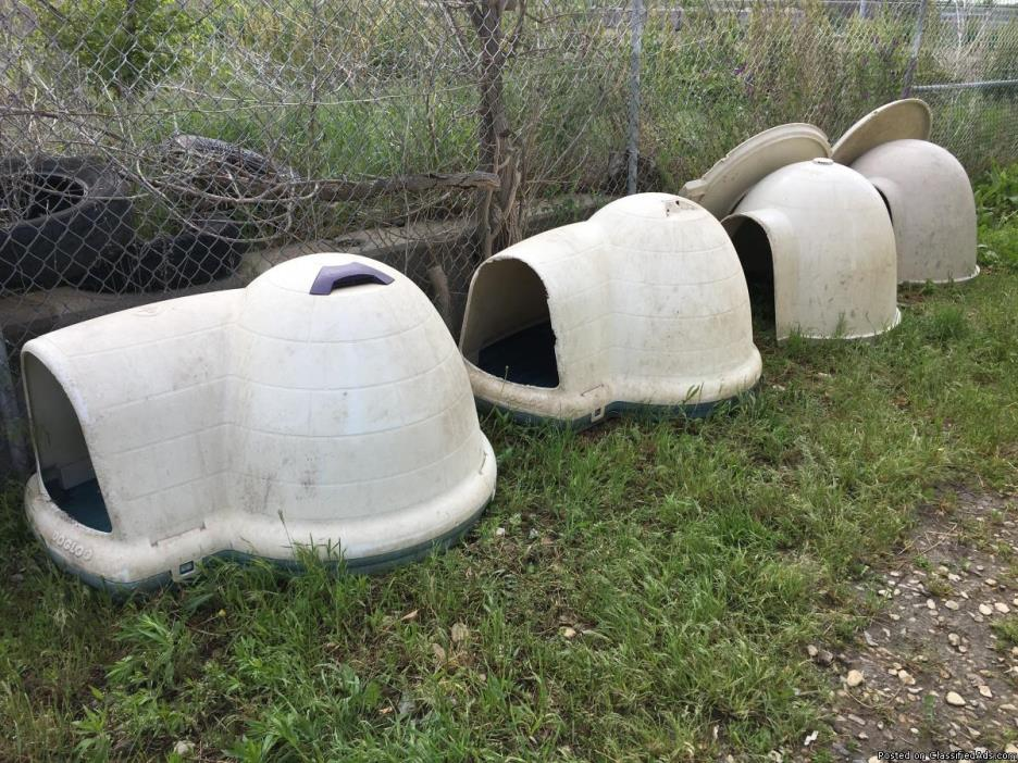 XL Dog Igloos